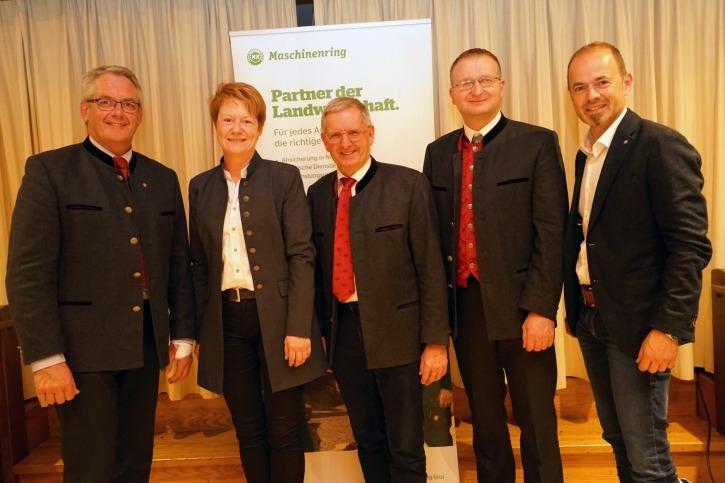 Obmann und Geschäftsführer freuen sich über die gut besuchte Generalversammlung des Maschinenring Kufstein.