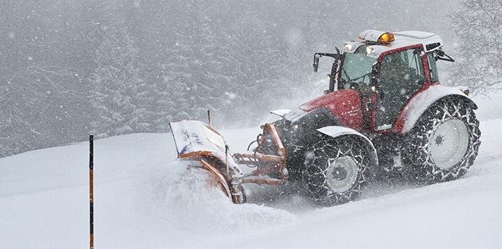 Schneeräumung und Winterdienst Maschinenring Tirol