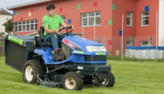 Grünraumpflege für Gemeinden vom Maschinenring