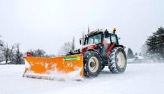 Winterdienst für Gemeinden vom Maschinenring
