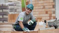 Bauarbeiter vom Maschinenring