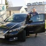 Anton Hofstätter mit Nissan Leaf ZE1