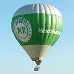 MR-Ballon schwebt über Passau